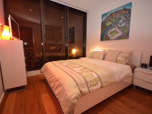 ABODE: Comfortable Queen bed w/TV/DVD player & views